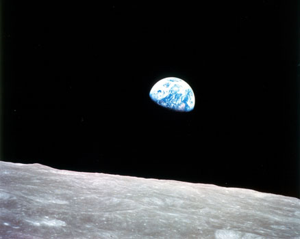 1968: Earthrise (Apollo 8)
